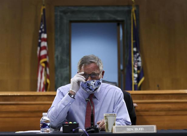 Sen. Richard Burr (R-N.C.). (Win McNamee/Bloomberg News)