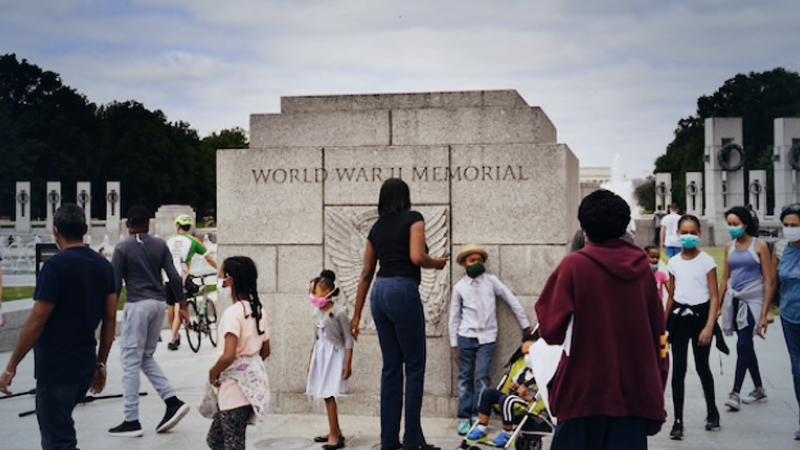People gather at the World War II Memorial in Washington on Monday May 25, 2020 - Memorial Day. MUST CREDIT: Washington Post photo by Matt McClain