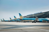 Vietnam Airlines aircraft at Nội Bài International Airport. The national carrier and other airlines in Việt Nam are preparing for international flights. — Photo Vietnam Airlines