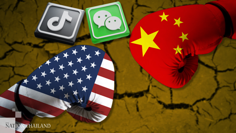 The messenger app WeChat and short-video app TikTok are seen near China and US flags in this illustration picture taken Aug 7, 2020. (PHOTO / CHINADAILY.COM.CN)
