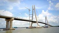 Vàm Cống bridge across Hậu river in the Mekong Delta. VNA/VNS Photo