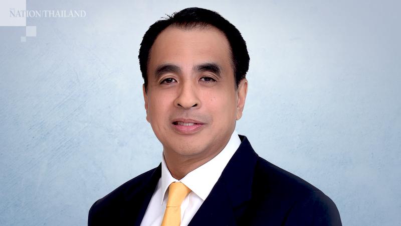 Dechapiwat Na Songkhla, director of the Budget Bureau