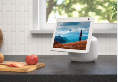 Amazon's $250 Echo Show 10 has a screen and camera that swivels around to face you, no matter where you move. MUST CREDIT: Photo courtesy of Amazon