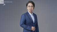 Nayanee Peaugkham, chief of Krungsri Consumer Group
