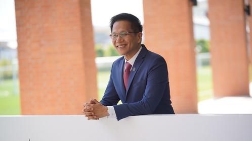 Professor Sakorn Suksriwong