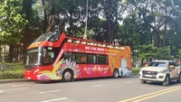 Hop on - hop off bus service has been very much embraced by the public this year. — VNS Photo An Phương