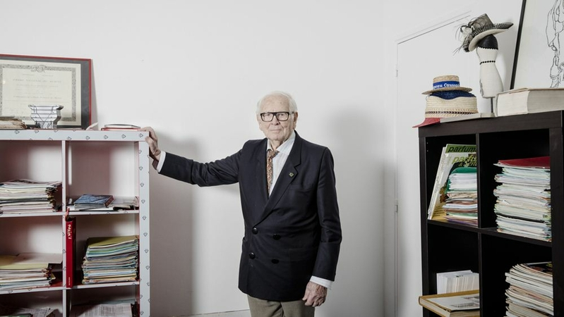 Pierre Cardin in his Paris office in 2016. MUST CREDIT: Bloomberg photo by Marlene Awaad