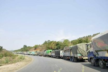 Fruit trucks waiting to enter China (Photo-Pyae Sone)