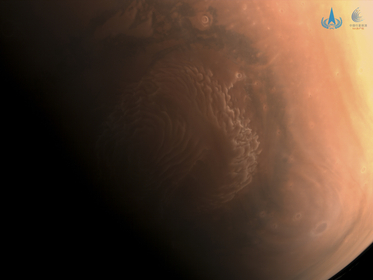 Color picture of Mars' north pole taken by Tianwen 1. [Photo provided by CNSA]