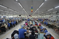 Workers at a textile factory at Trà Kha Industrial Park in Bạc Liêu City. — VNA/VNS Photo Chanh Đa