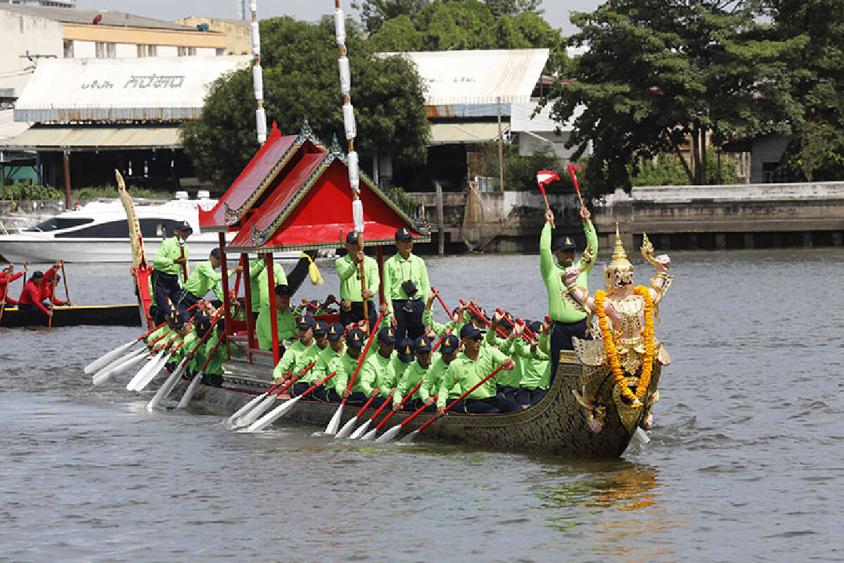 Rehearsals continue for magnificent Royal Barge procession