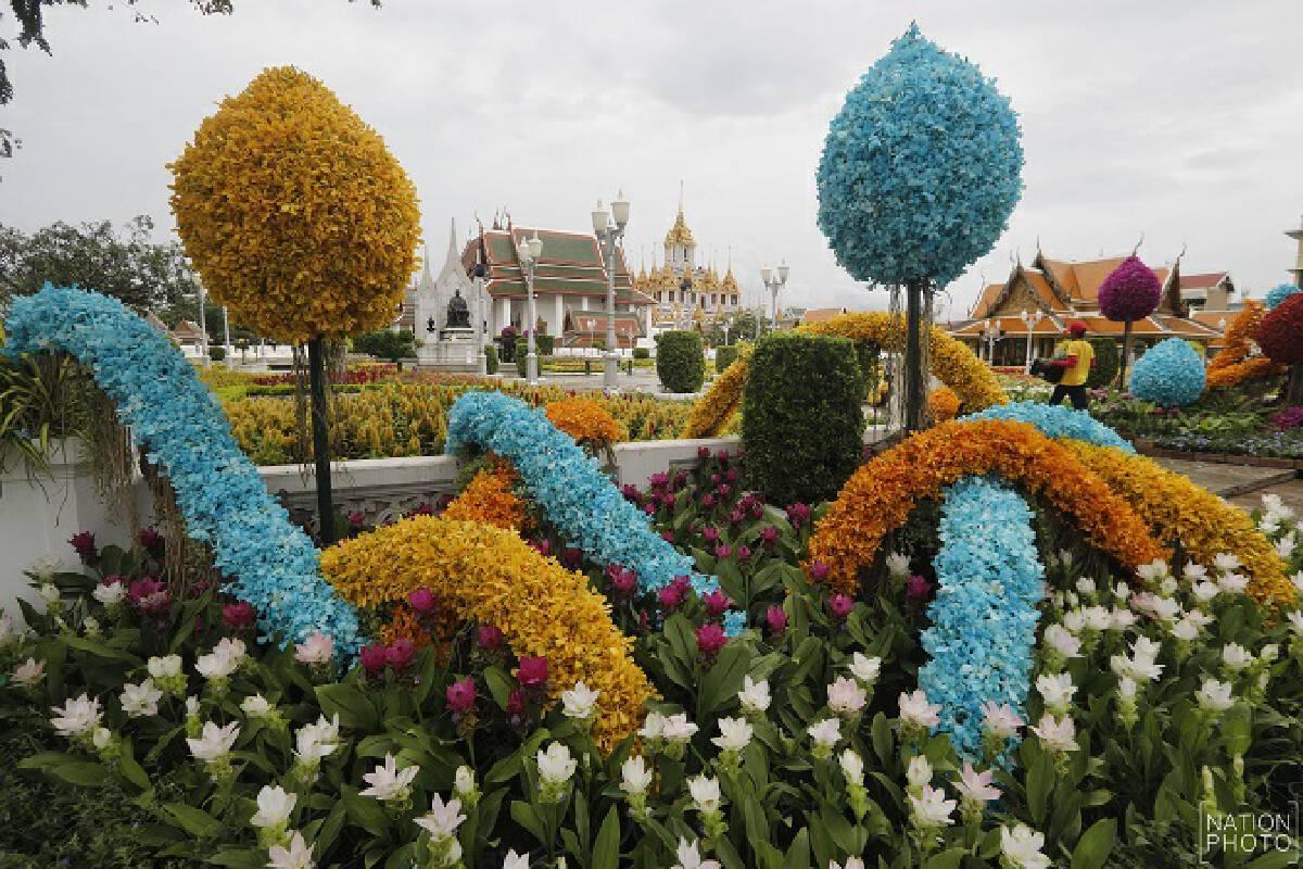 Rajdamnoen Avenue explodes in colour for Queen Mother's birthday