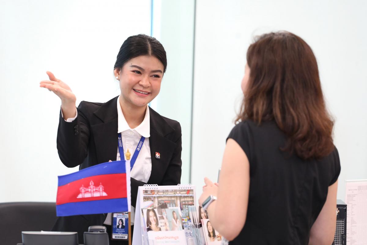 Thai-Cambodian interpreter Nichdarintr Gaysorn works as Khmer interpreter at Bangkok Hospital.