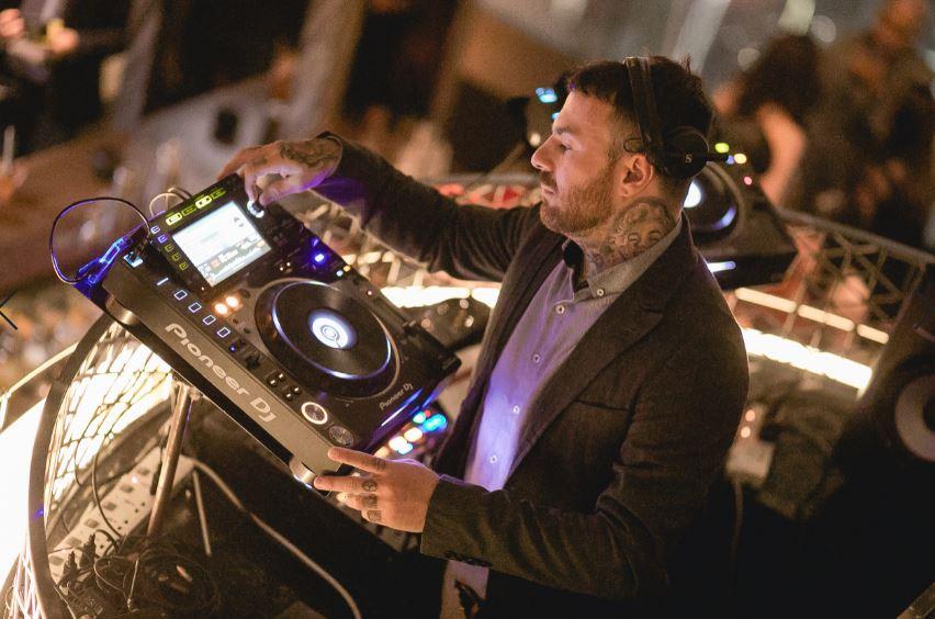 Mister Jim, the DJ