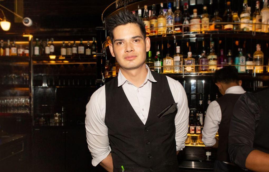 Bartender Anders Olsen