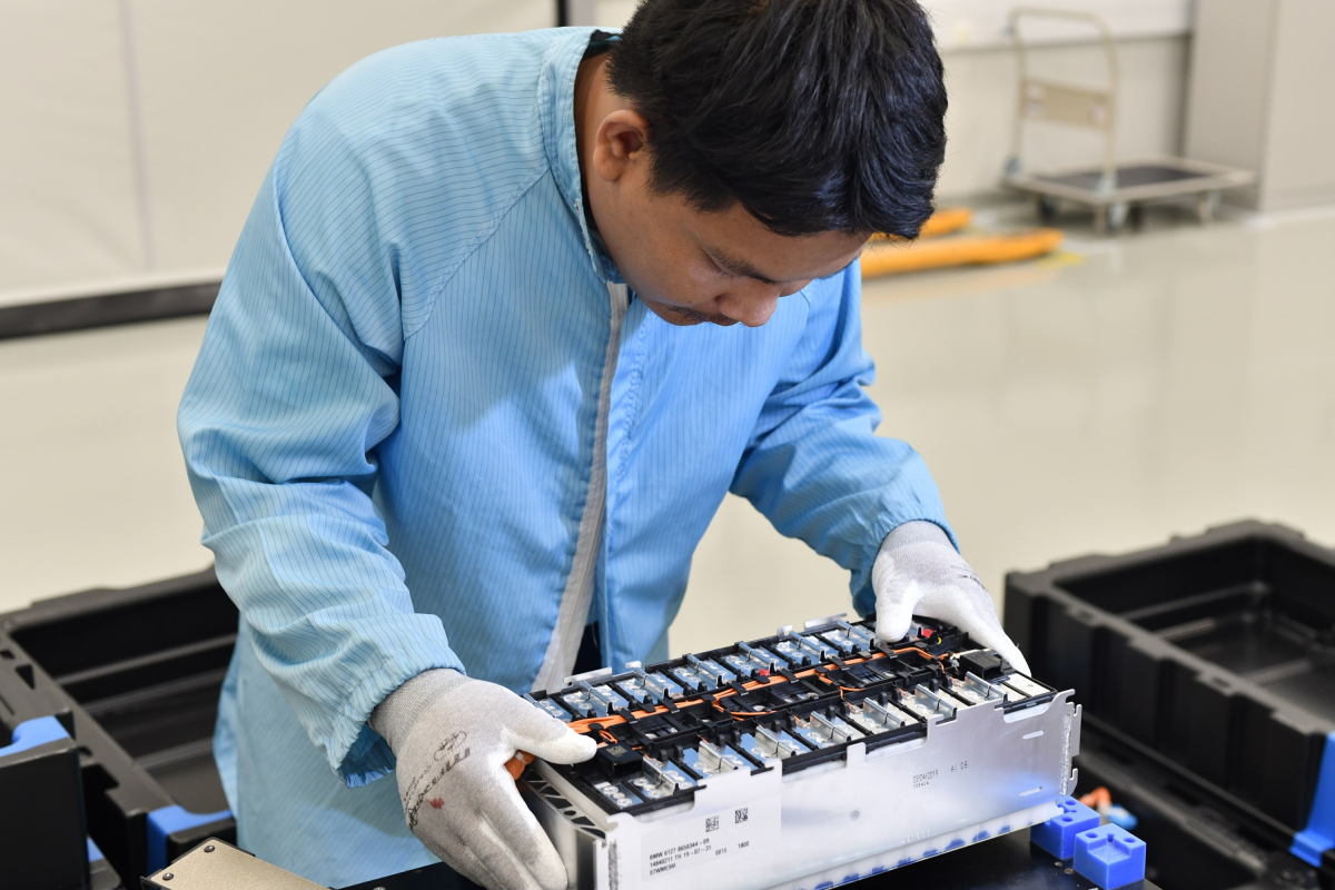 BMW kicks off lithium-ion battery production at JV plant