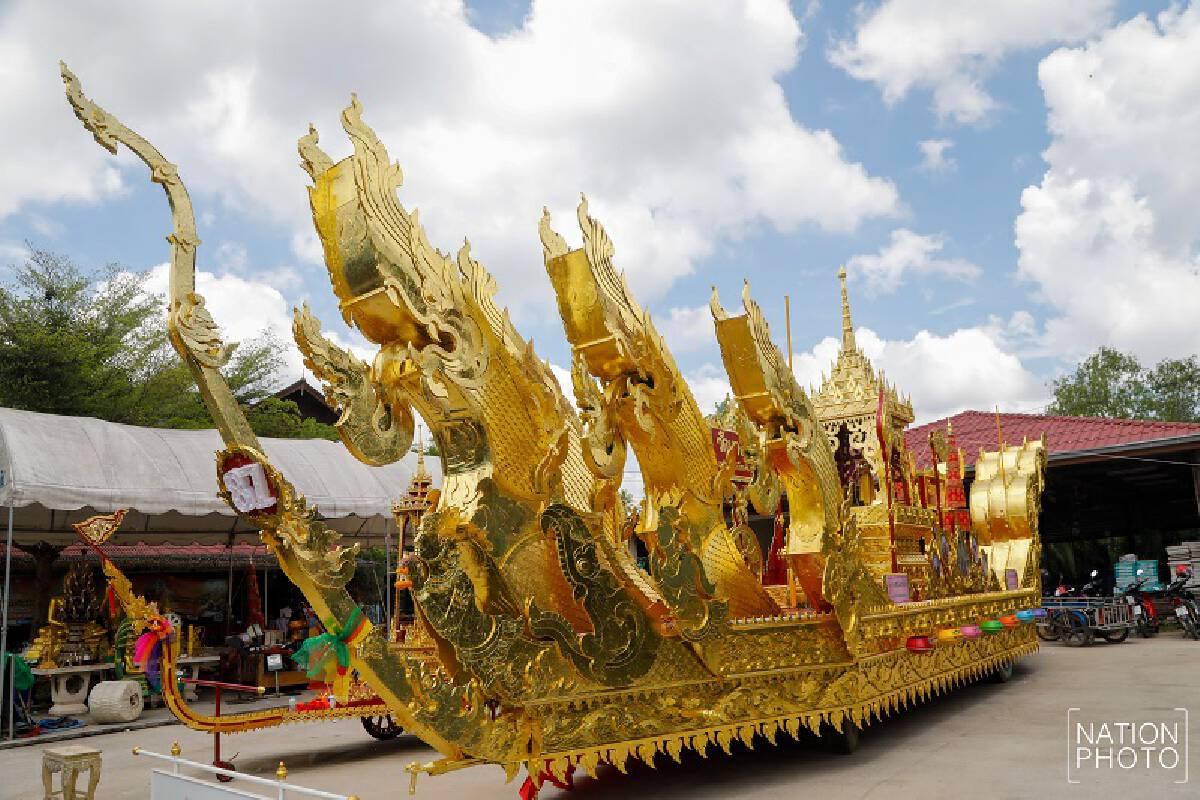 Surat Thani temple greets King of the Naga