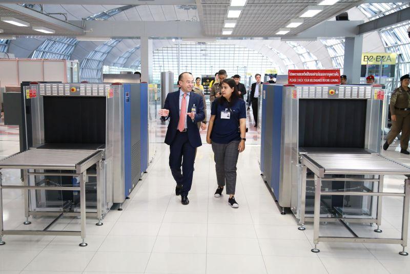 泰国素万那普机场转移泰国国内旅客检查到大厅
