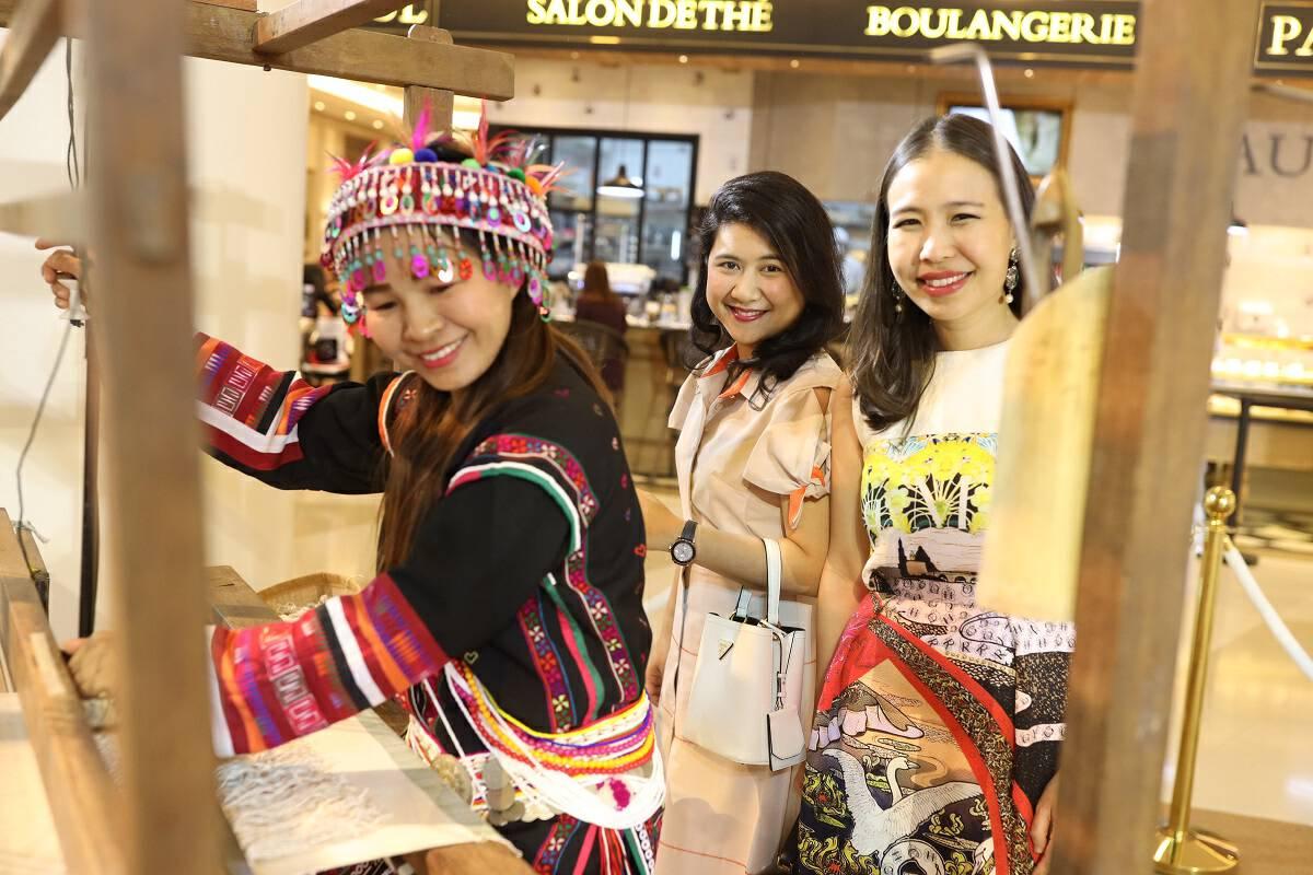 Unique fashion collection on sales at DoiTung & Friends 2019