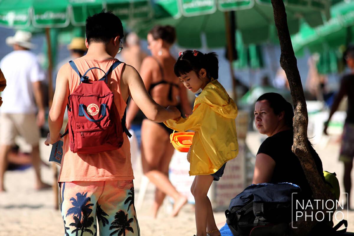 Despite brave holdouts, virus gutting island tourism