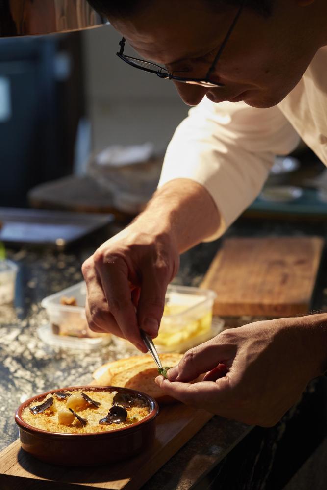 Chef Carlo Valenzianoin