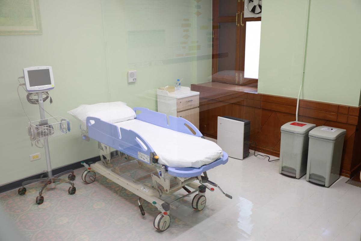 Negative pressure room