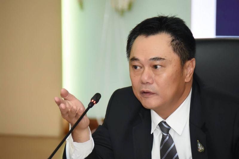 Industry Ministry permanent secretary Kobchai Sangsitthisawat