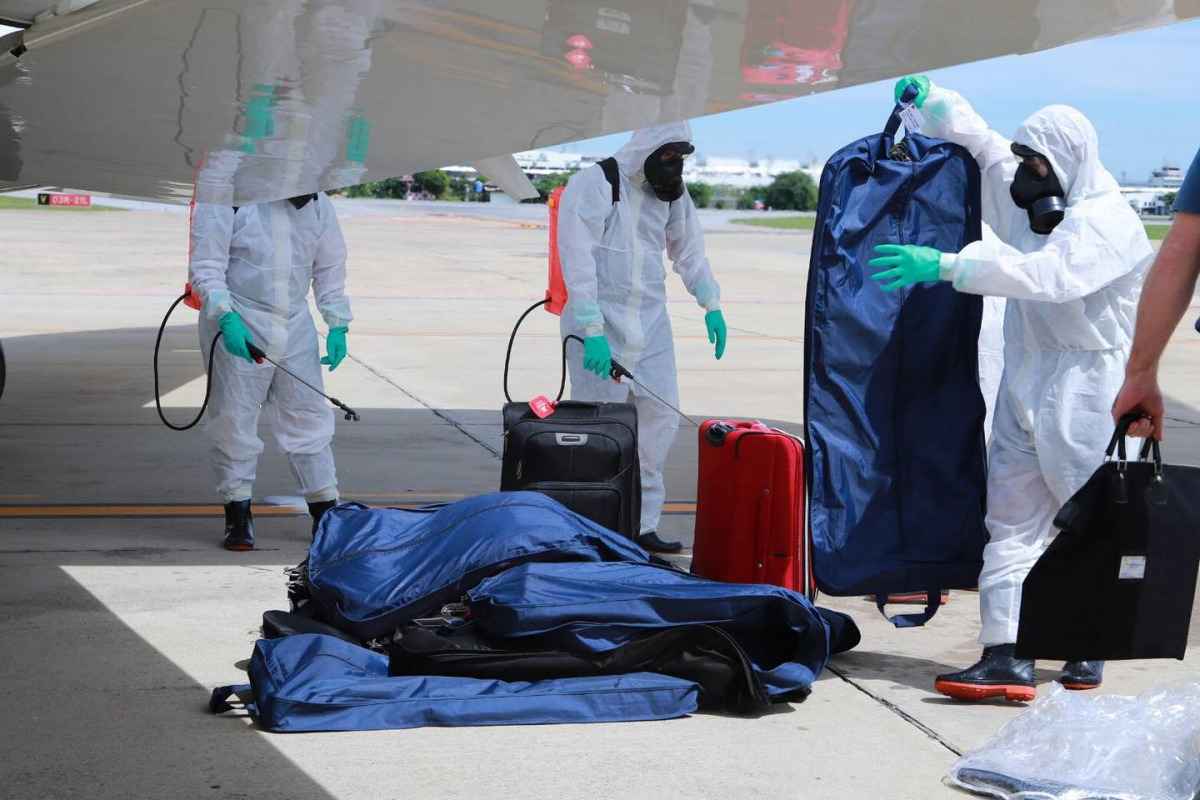 A medical team disinfects the luggage of the US general and his entourage. Photo Credit: SMART Soldiers Strong ARMY Facebook page