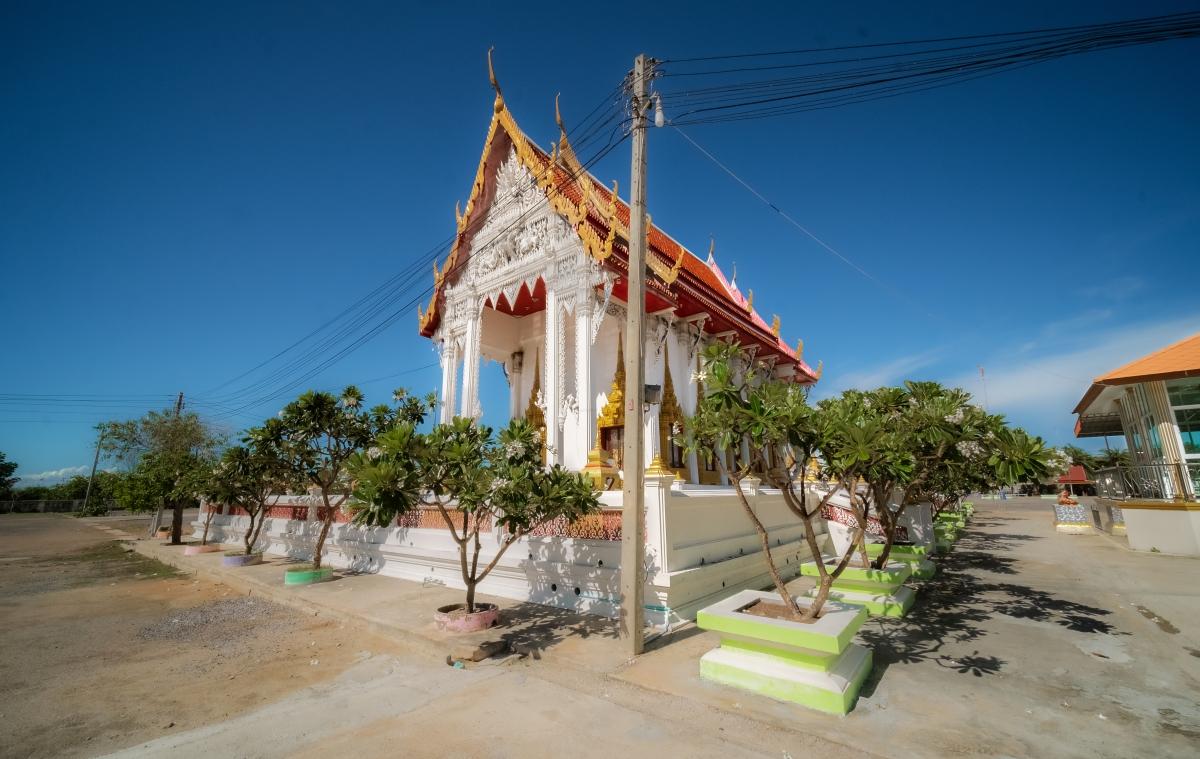 Khok Na Ram Temple