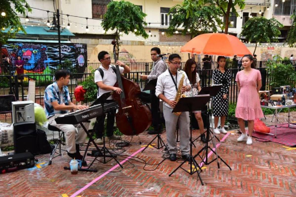 Ong Ang Walking Street opens as new attraction in Bangkok