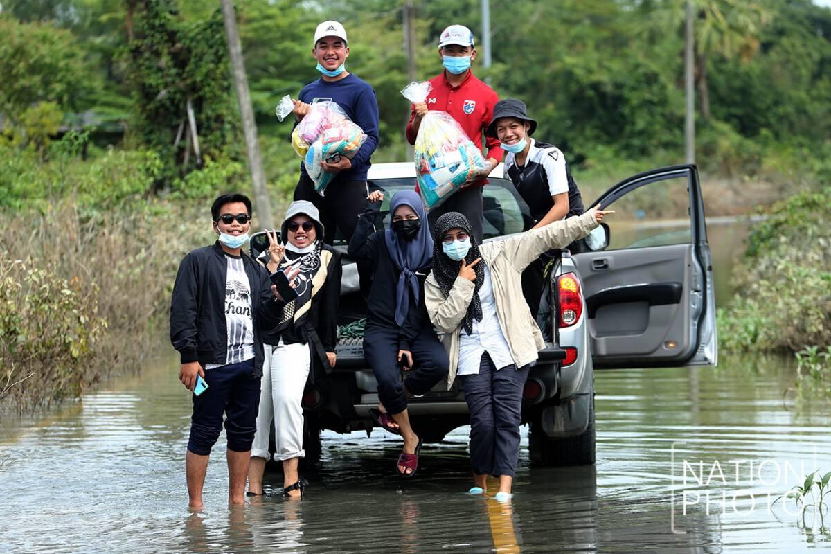 Photos: Charoon Thongnual
