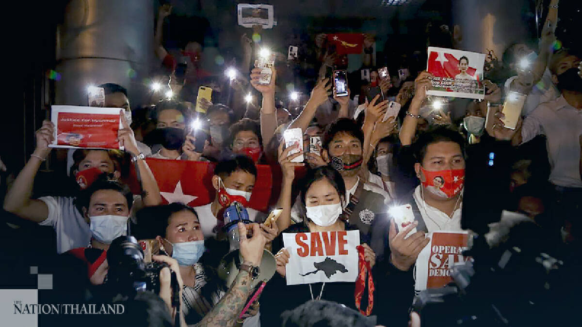 Bangkok protesters 'light up Myanmar' after Monday's coup
