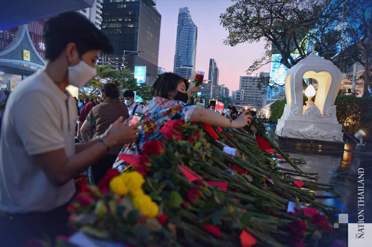 Lovelorn Bangkokians pray for a Valentine