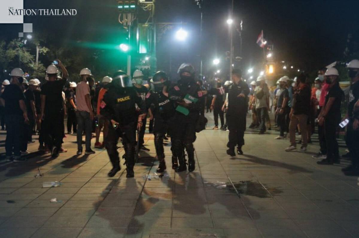 20 policemen injured as violence erupts during pro-democracy rally in Bangkok