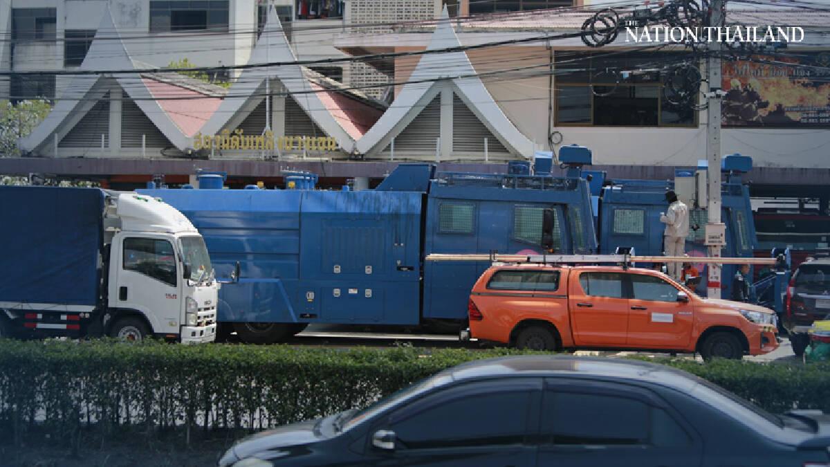 Bangkok rallies face road blocks