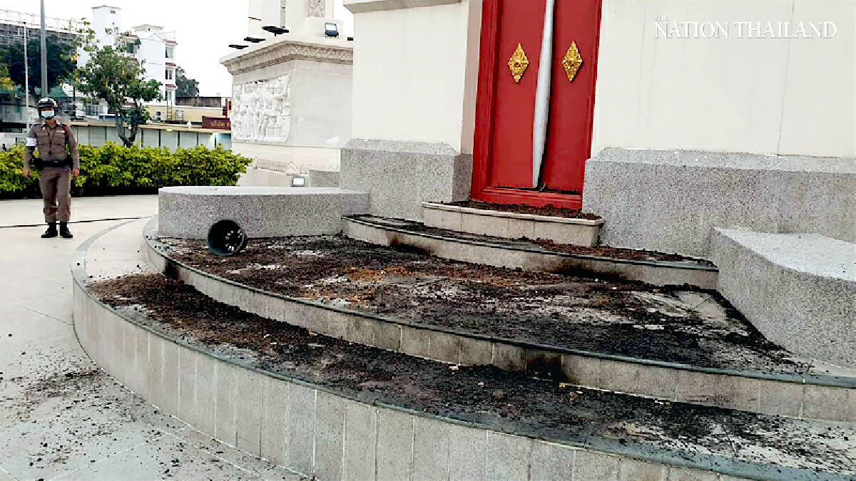 'Depressed' man tries to set fire to Democracy Monument