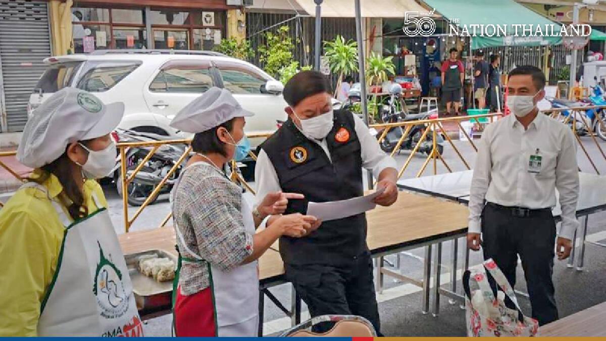 Bangkok deploys food kitchen to feed battle-weary medical staff