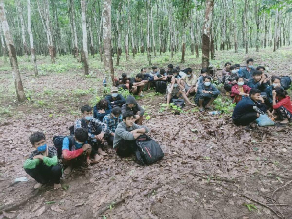 33 Myanmar people arrested while sneaking across border into Kanchanaburi