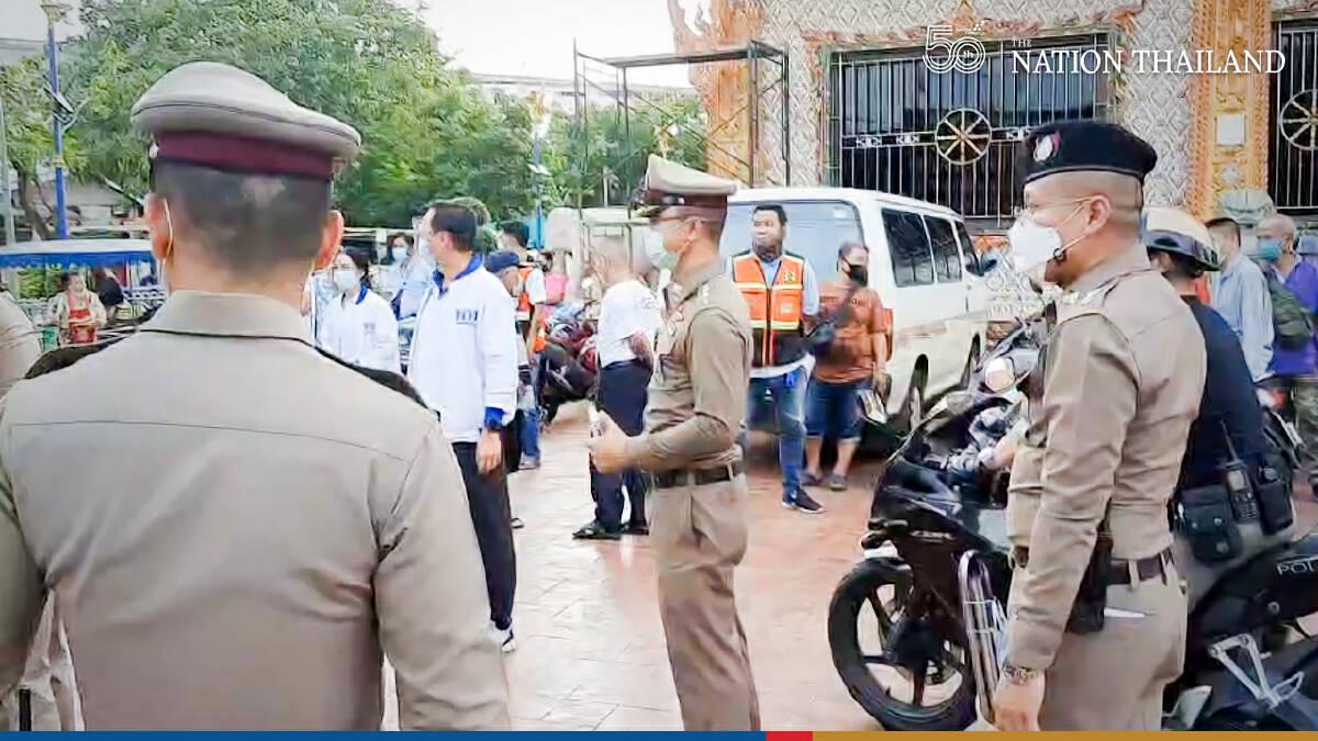 Drug-crazed knifeman chases Pheu Thai group through Bangkok neighbourhood