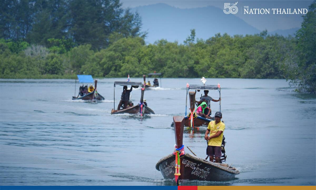 Tentacles of hope for Thai fishermen as jellyfish season arrives