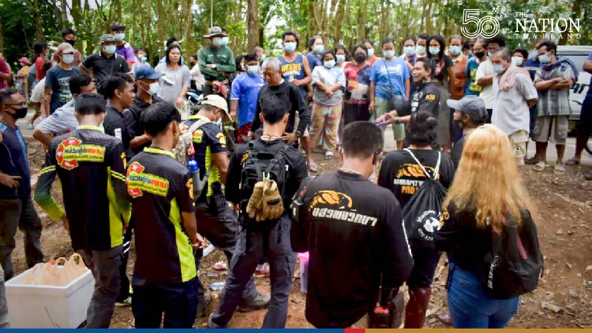 Snake hunters snare two of 20 cobras terrorising Trang village
