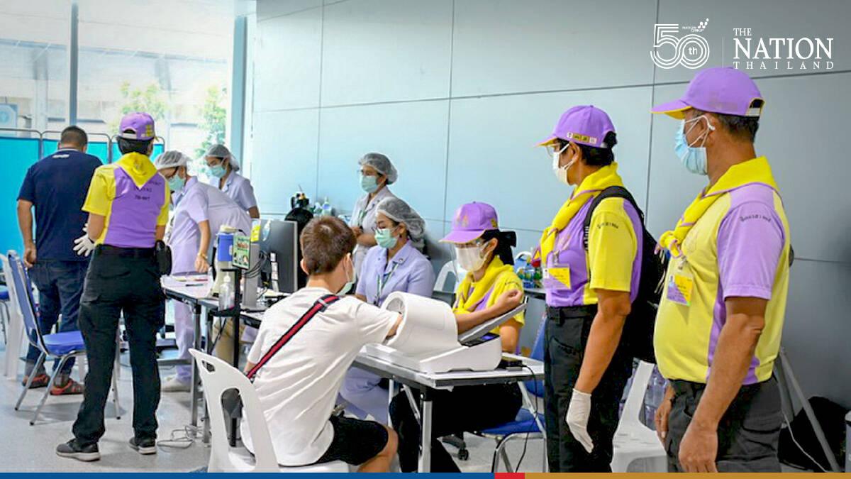 Over 100,000 transport workers jabbed at Bangkok's Bang Sue station