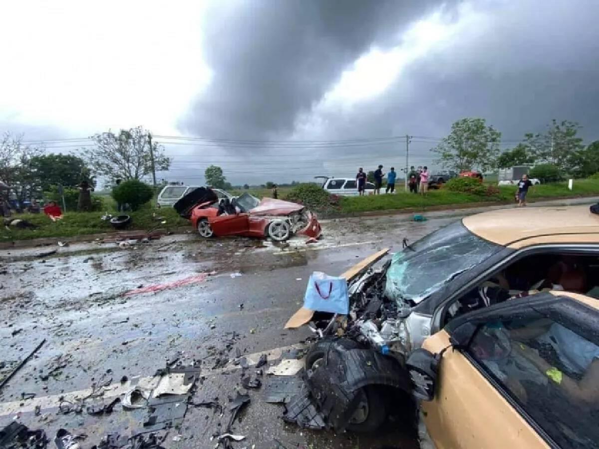 Three killed in car collision in Phetchabun