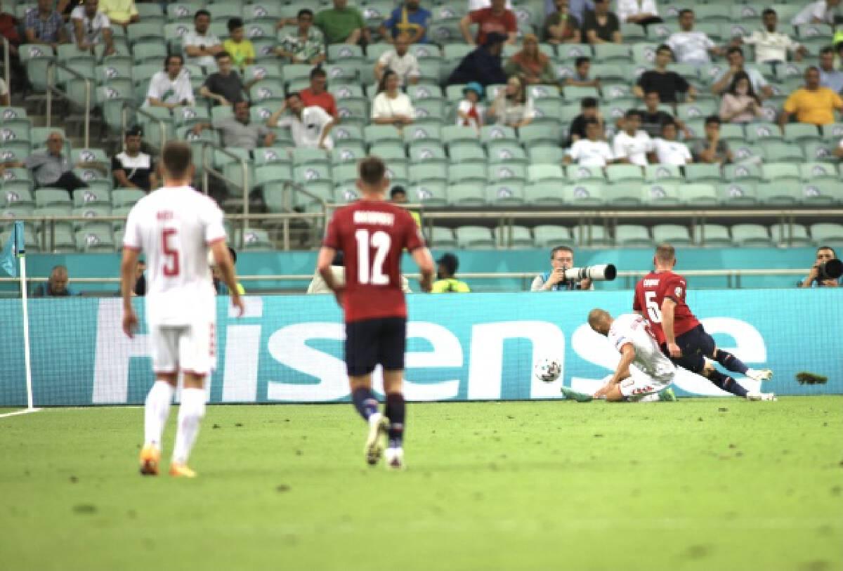 Denmark beat the Czech Republic 2-1 to reach the Euro 2020 semifinals