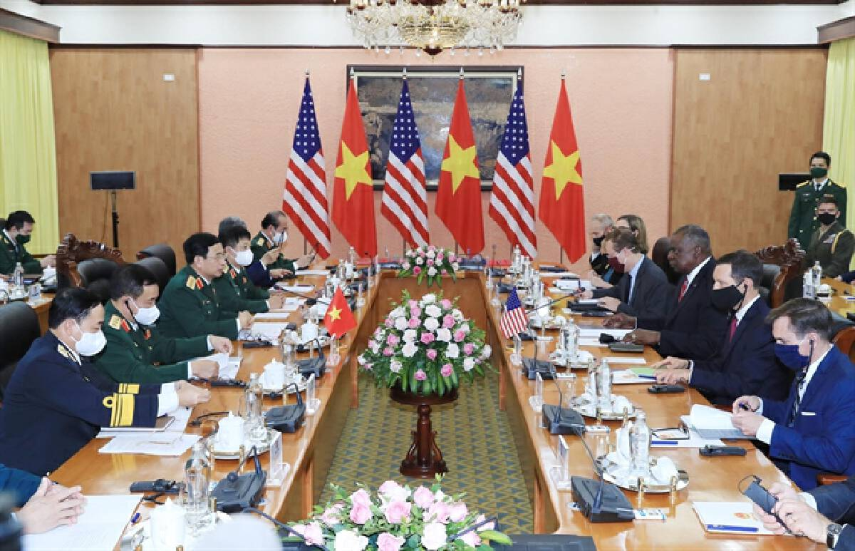 US, Vietnamese defence chiefs stress peaceful resolution of South China Sea issues