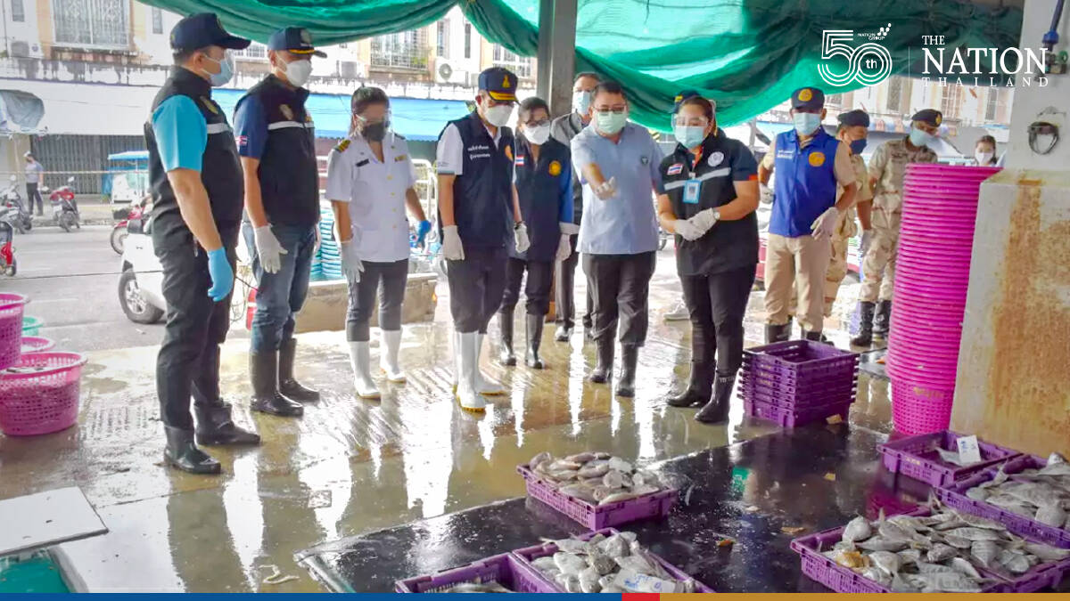 Ranong imposes night curfew, employs strict measures at fish market