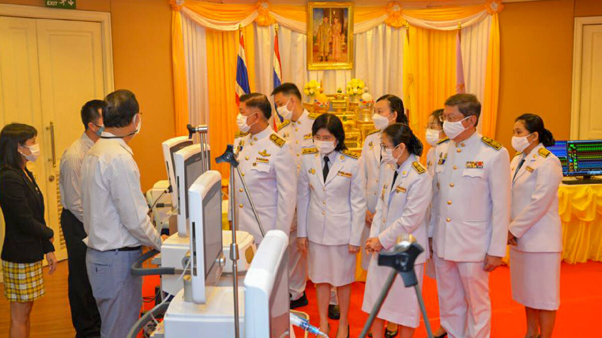 Their Majesties donate ventilators to save lives in Bangkok