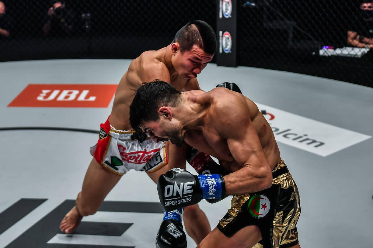 Kickboxing - Bantamweight: Capitan Petchyindee Academy def. Mehdi Zatout via Unanimous Decision