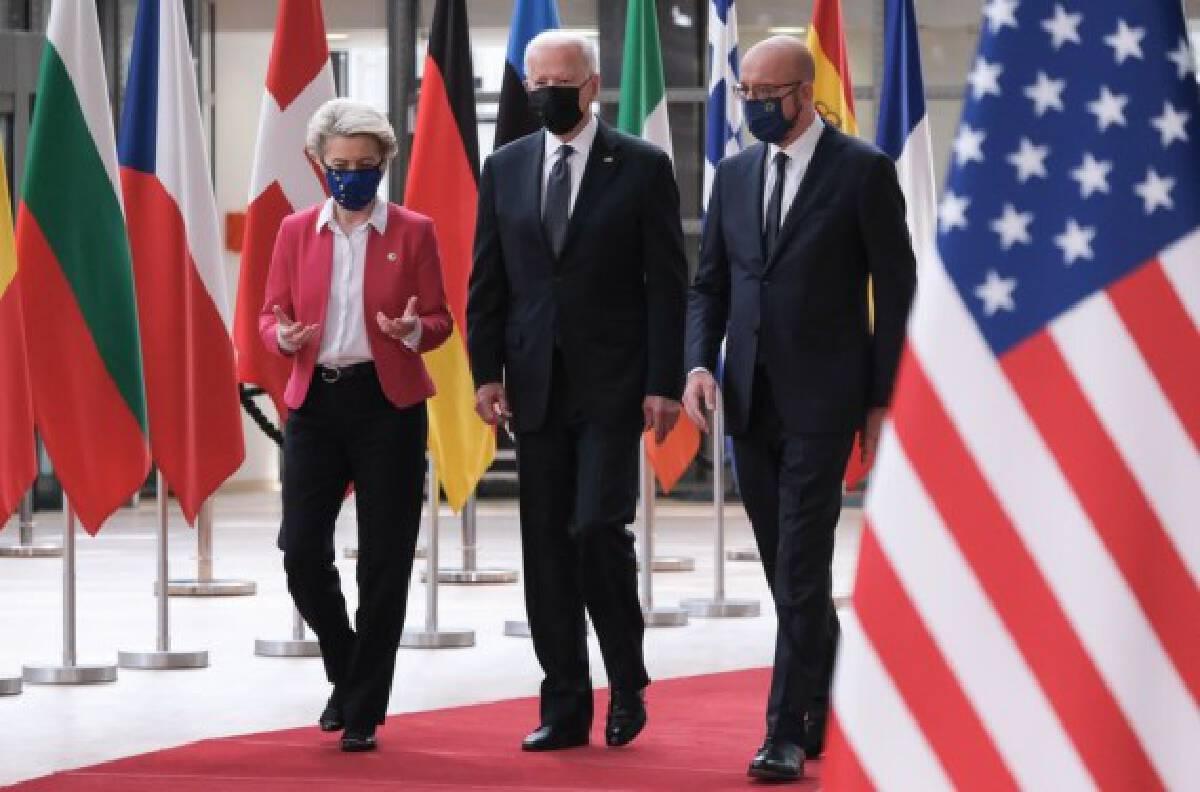 European Council President Charles Michel (R) and European Commission President Ursula von der Leyen (L) welcome U.S. President Joe Biden (C) at the EU headquarters in Brussels, Belgium, on June 15, 2021. (European Union/Handout via Xinhua)