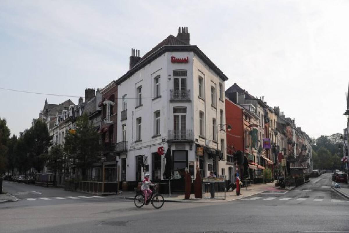 A woman rides a bike on Car Free Sunday in Brussels, Belgium, Sept. 19, 2021.(Xinhua/Zheng Huansong)